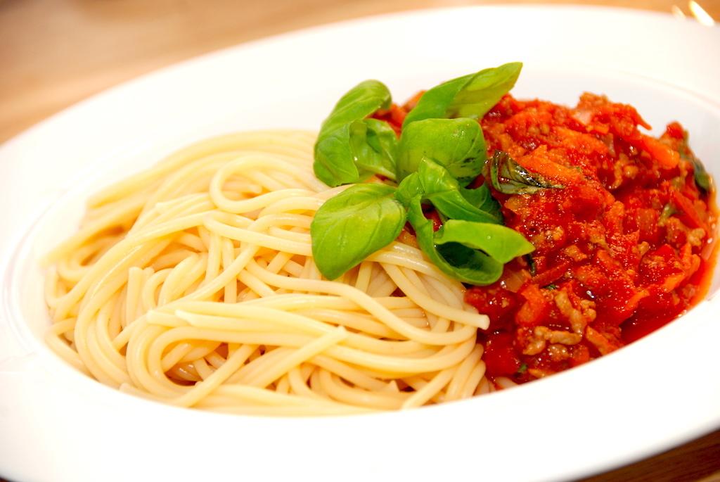billederesultat for spaghetti med kødsovs